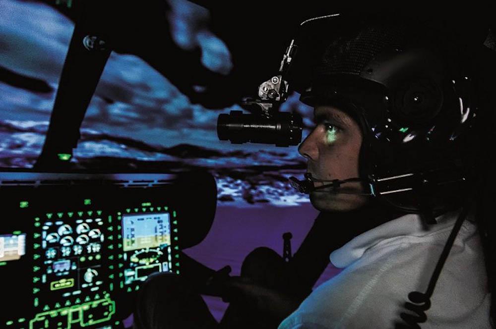 nvg night vision goggle pilot